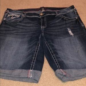 Size 18 Torrid Ariya Jeans Capris